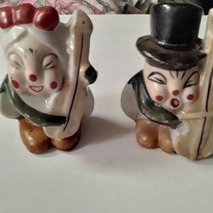 Vtge Japanese Couple Ceramic Salt and Pepper Shake